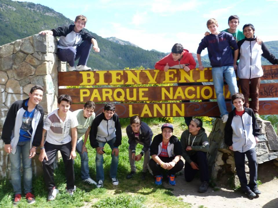 Bariloche – La Escuela Municipal de Básquetbol de Tornquist, vivió una experiencia inolvidable