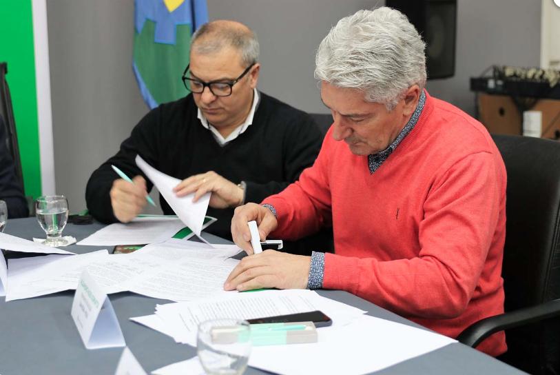 Villarino – Bordoni firmó el «Convenio de la Mesa de Energías Renovables»