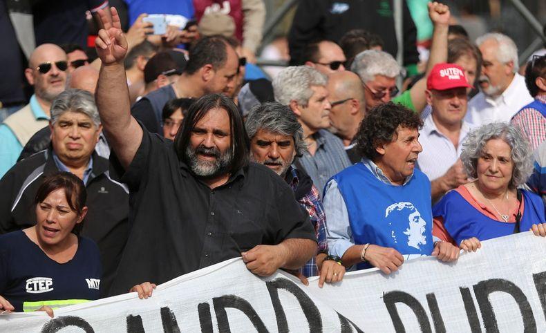 Baradel rechazó el decreto de Vidal que fija en 19 % el aumento salarial docente