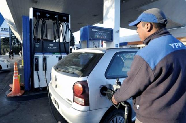 Arranca julio con un nuevo aumento: YPF incrementó hasta 2,5% el valor de sus combustibles