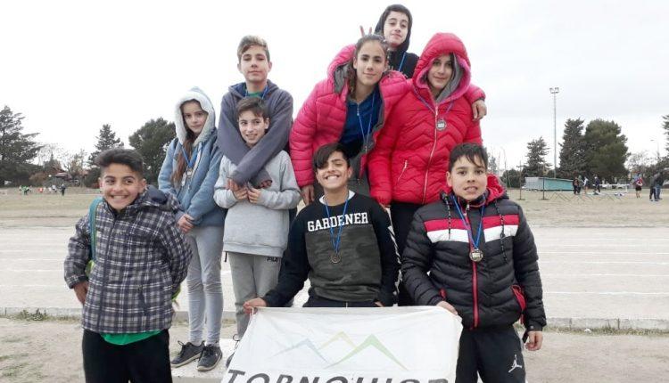 Bahía Blanca – Atletas del Distrito participaron de un Torneo  de Atletismo