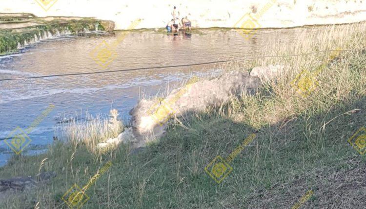 Padre muere ahogado al rescatar a sus hijos de un río