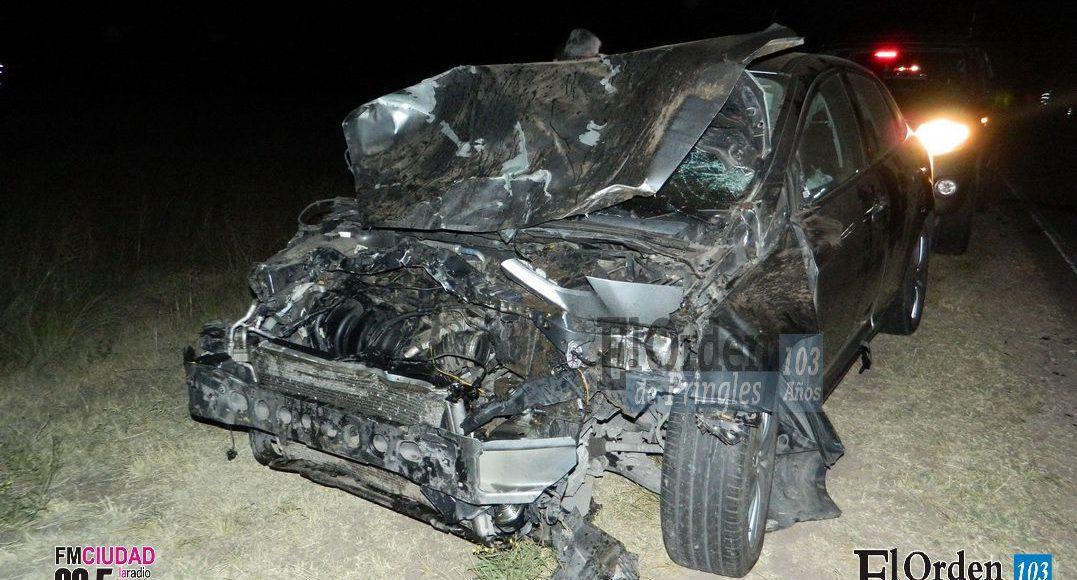 Ruta 51 – Un vehículo impactó contra ganado vacuno cerca de Fra-Pal