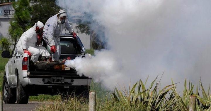 Tornquist – Continúan las tareas de fumigación en el distrito