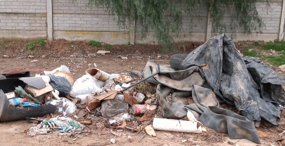 Solicitan no arrojar residuos en la vía pública