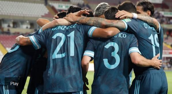 Argentina jugó el mejor partido de las Eliminatorias y le ganó 2-0 a Perú en Lima