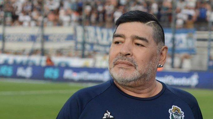 Internaron a Diego Armando Maradona en una clínica de La Plata