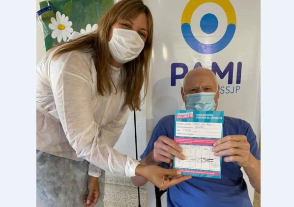 Tornquist – PAMI comenzó la campaña de vacunación en hogares de Ancianos