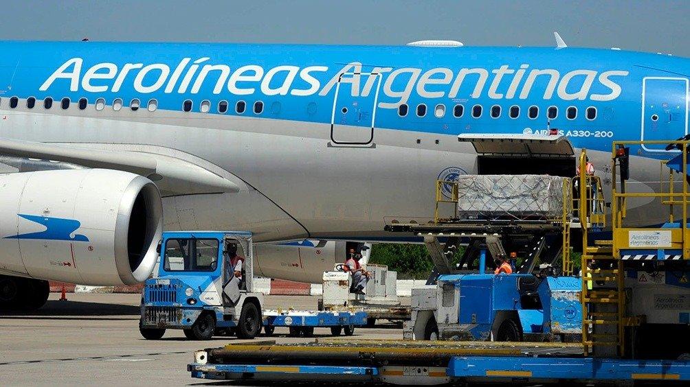 Parte el vuelo de Aerolíneas Argentinas para traer vacunas Sinopharm de China