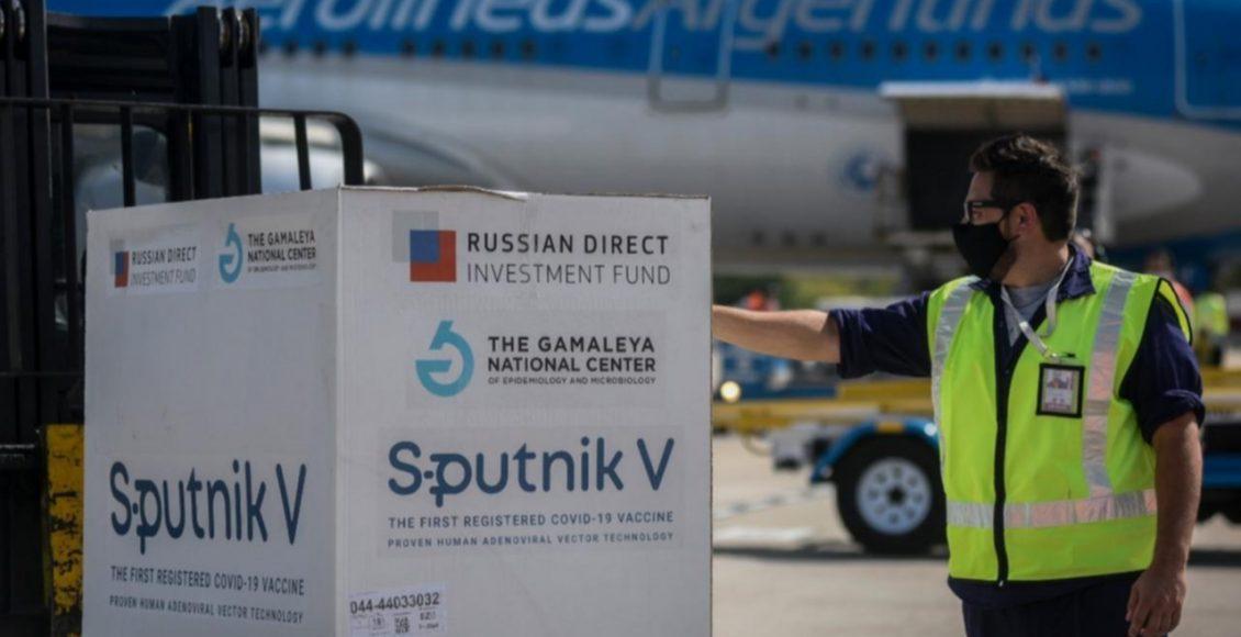 Arribó el avión de Aerolíneas con 330 mil dosis de la vacuna Sputnik V