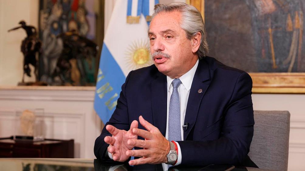 Olivos – El Presidente está aislado en Olivos con una febrícula y un leve dolor de cabeza