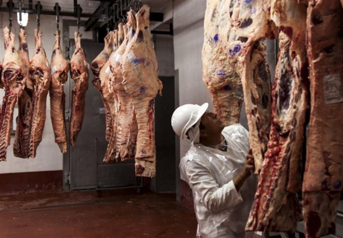 Anunciaron el acuerdo de precios para vender 10 cortes de carne con descuento de hasta 30%
