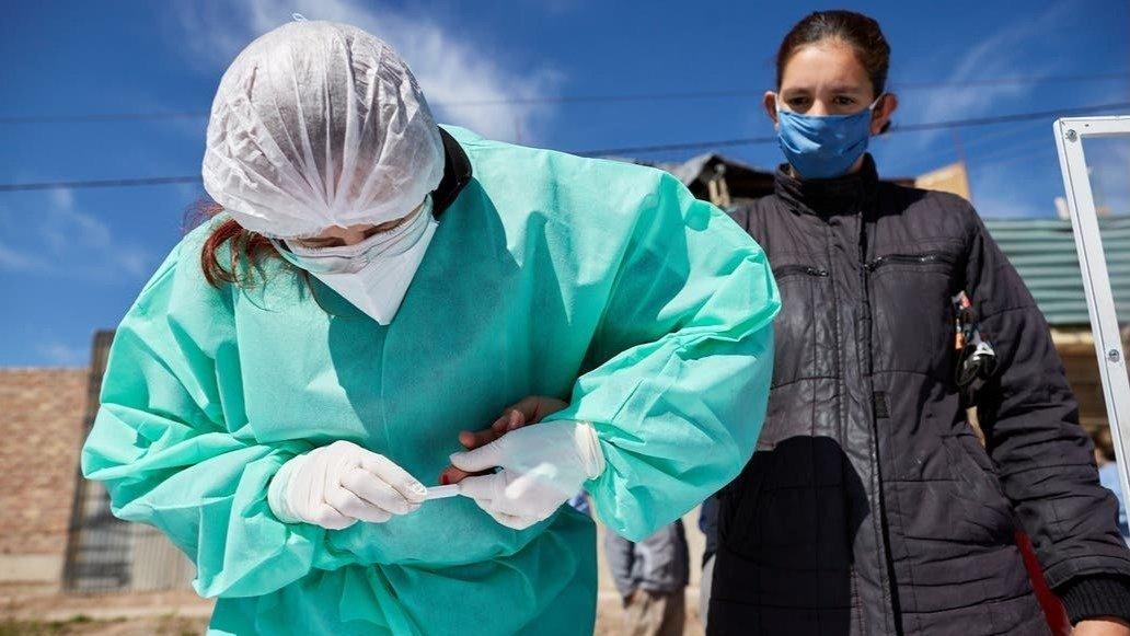 Otras 359 personas murieron y 14.740 fueron diagnosticadas con Coronavirus en el país