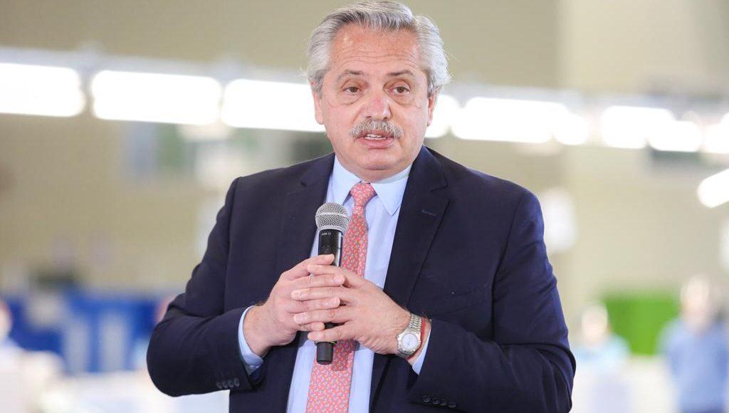 """Alberto Fernández: """"Somos la generación que no baja los brazos, que sigue invirtiendo, produciendo y generando trabajo"""""""