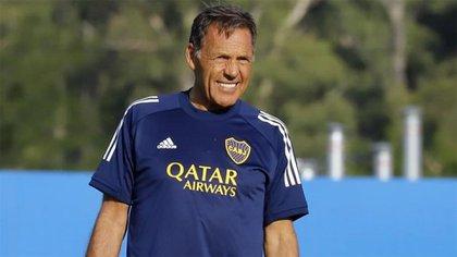 Tras la derrota de Boca, la preocupación y el cambio de Miguel Angel Russo