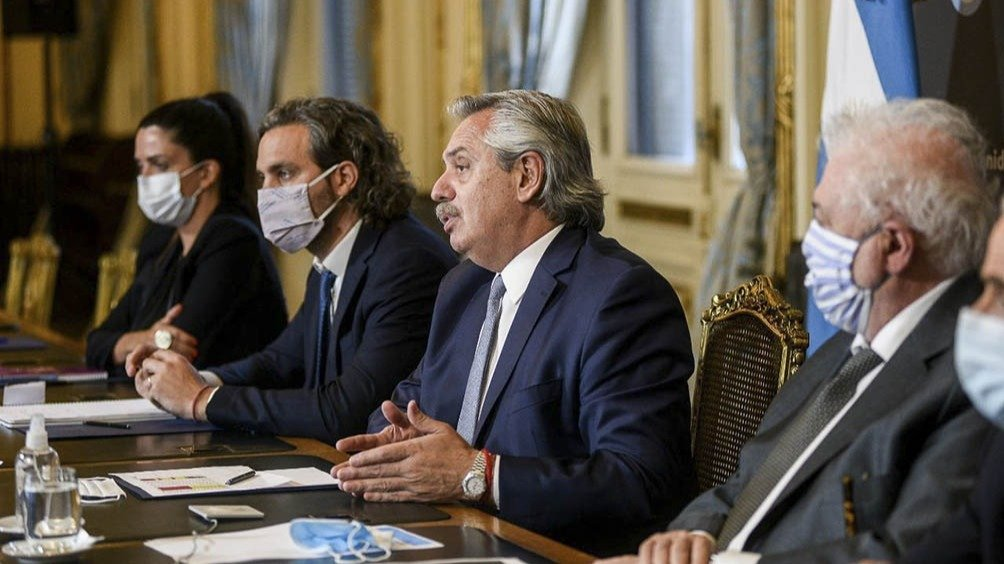 El presidente y los gobernadores se reúnen hoy para definir detalles del plan de vacunación
