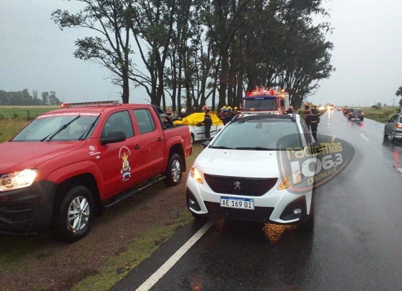 Daireaux – Una familia viajaba por la ruta, cayó un árbol sobre el auto y murió una nena de 12 años