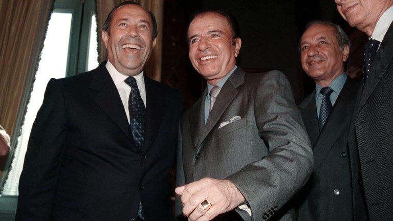 Apareció el anillo histórico de Carlos Menem: lo entregó la familia del enfermero sospechado