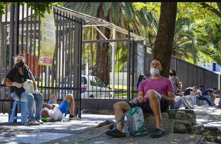 Argentina: confirmaron 80 muertes y 19.119 nuevos contagios en las últimas 24 horas