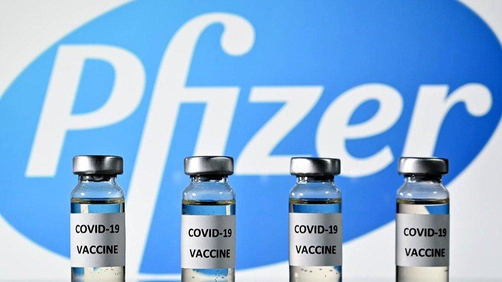 El Gobierno anunció que retomó negociaciones con Pfizer para comprar vacunas