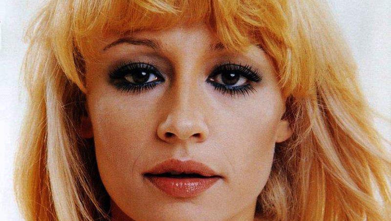 La canción de luto, murió a los 78 años la icónica Raffaella Carrá